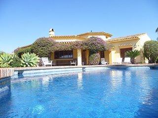 11418 - Beautiful Villa 1500 m from beach, Elviria