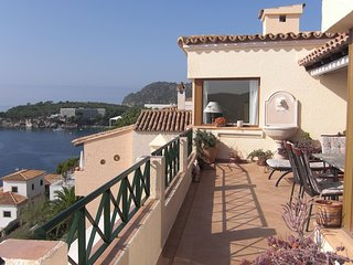 Lovely Sea View Apartment in Peguera