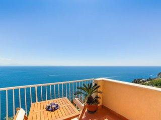 LivingAmalfi Blue Relaxation Apts, stunning sea view, wifi, air conditioning, Vettica