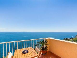 LivingAmalfi Blue Relaxation Apts, stunning sea view, wifi, air conditioning