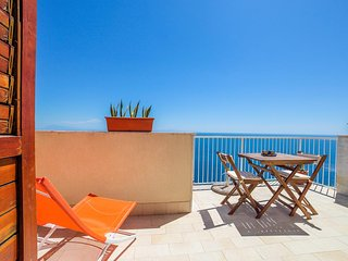 LivingAmalfi Blue Relaxation 2, stunning sea view, wifi, air conditioning, Vettica