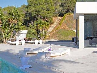 Villa Elegance Ibiza 12 BR
