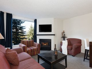 Slopeside on Blackcomb with Hot Tub and Pool / 214881