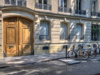 Duplex Square Saint Lazare, Paris