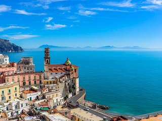 LivingAmalfi Paradiso 1, stunning sea view! 2 bedrooms, 2 bathrooms, wifi, Atrani
