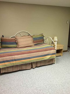 Daybed 3rd level with full bath. Queen blowup mattress for your use and washer and dryer.