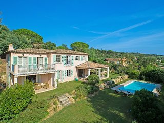 Riviera Jewel, Saint-Tropez