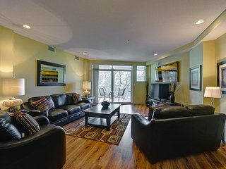 Second Level Condo in the Heart of Downtown Kelowna; Lake & Mountain View