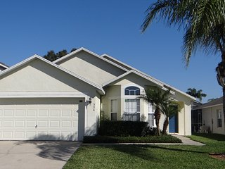 TIVOLI DREAM 4 BEDROOM FAMILY VILLA DISNEY AREA DAVENPORT ORLANDO FLORIDA