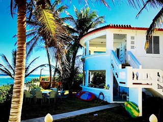Beautiful Beachfront Accommodations  Casa Nikitas, Isla de Vieques