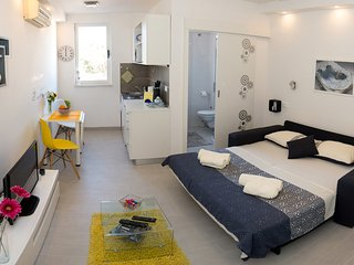 Apartment Simple-Studio Apartment with Sea View