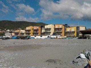 Bilocale Albenga 100 m dalla spiaggia 4 posti letto