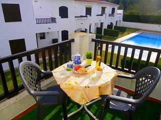 Casa para 6/8 WIFI, aire acondicionado, piscina comunitaira y parkinf