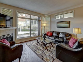 Well-Furnished Family Friendly Vacation Condominium in Downtown Kelowna