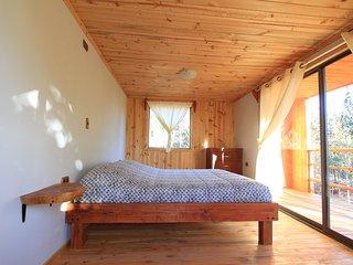 Situado en la comuna de Pichilemu, localidad de Cáhuil. Tangaroa Lodge entrega u