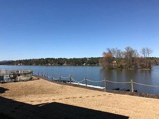 Secluded Lake Front Condominium - Just Purchased & Remodeled, Lake Hamilton