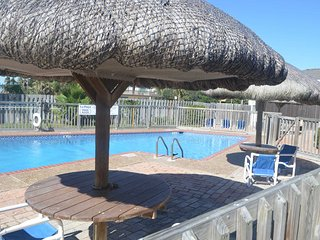 2 bed 1.5 bath Oceanfront sleeps 6