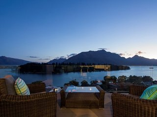 Lakefront Luxury, Queenstown