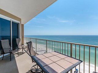 FREE ACTIVITIES INCLUDED with this Spacious family friendly Gulf front Condo!, Panama City Beach