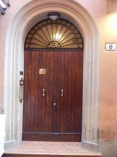 """Romantico appartamento """"IL SOLE"""" Centro di Bologna"""