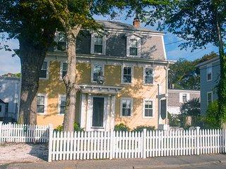 Charming 1-Bedroom Condo, Provincetown