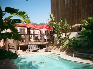 HISTORIC OLD TOWN DISTRICT STUDIO ,POOL and CABANA / W PARKING !