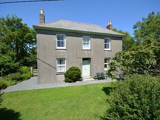 GILLY House in Manaccan, Gillan