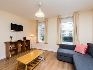 Spacious central 2BDM near Temple Bar Trinity College, Dublín
