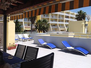 2bed apt.24 hr.reception/securitya/c .250 mt. from beach free. Wifi.peacful area