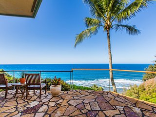 Secluded Upscale Oceanfront Home w/Pool, A/C, & Cliffside Views. Honu Awa