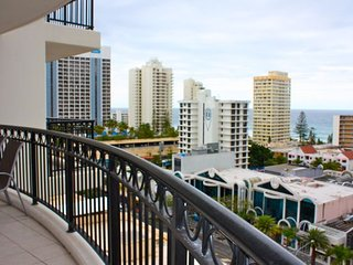 1106 Chevron Reiassance Towers Family Resort Surfers Paradise