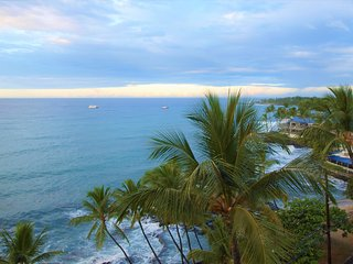 APRIL SPECIAL $159 **AWESOME OCEAN VIEWS 7th FL PENTHOUSE at Kona Ali'i, Kailua-Kona