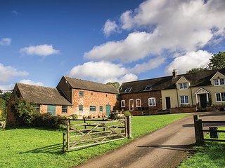 PK586 Cottage in Ashbourne