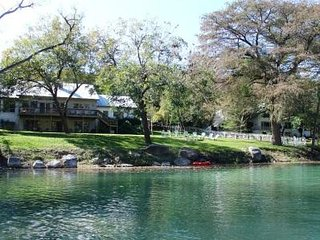 Gruene River House and Cabin on the Guadalupe!