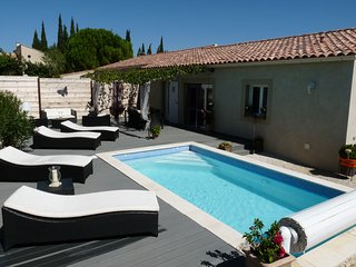 Villa near Avignon with heated pool, Tavel