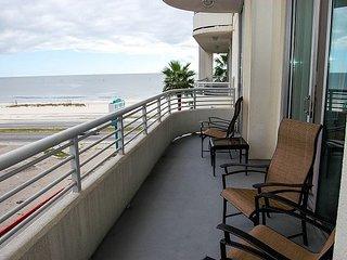 Ocean Club 106 ~ RA77516