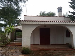 Villa con 3 camere da letto, 2 bagni, 2 portici, giardino, 8 posti letto