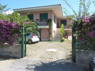 House - 3 km from the beach, Castelmola