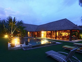 BEAUTIFUL 3 BEDROOM VILLA BO SATU  AT 150M FROM THE BEACH, Canggu