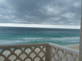 Fully Furnished studio Condo with Ocean View, Cancún