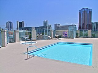 OCEAN CLOSE, CITY CENTRE ACTION 30 day rental, Long Beach