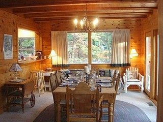 FULLY RENOVATED 13 Bdrm PRIVATE LODGE, Hunter