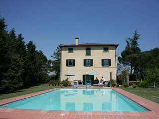 5 bedroom Villa in Cortona, Tuscany, Italy : ref 2020471
