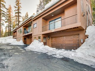 Private three-level townhome features deck and gorgeous mountain views!