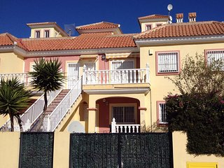Lovely 2 bedroom ground floor apartment with use of shared pool., El Pinar de Campoverde