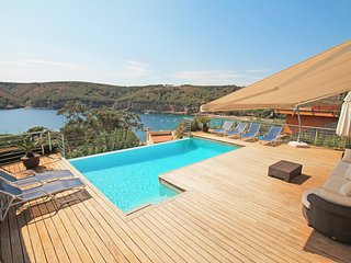 Luxury villa with sea view and swimming pool
