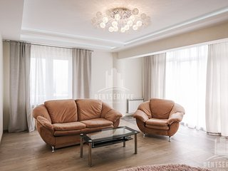 Modern and spacious apartment with 2 bedrooms and livingroom on Lev Tolstoi 24/1