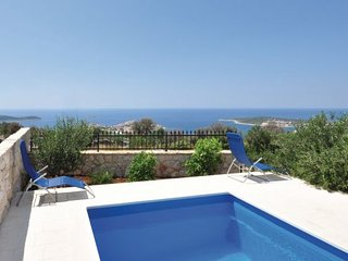 6 bedroom Villa in Trogir Sevid, Central Dalmatia, Trogir, Croatia : ref 2045369