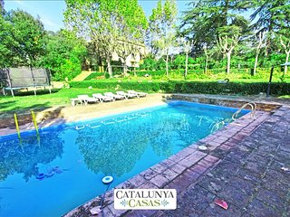 Traditional Vilanova villas in the Catalonian countryside, only 30 minutes from, Vallromanas