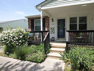 Pet Friendly Village Green Twin 134084, Cape May